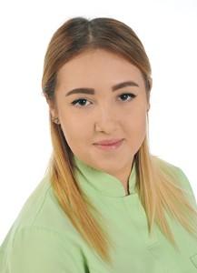 Karina Zwierzchowska - Asystentka Densmed